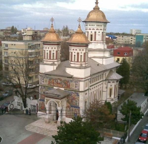 biserica ador