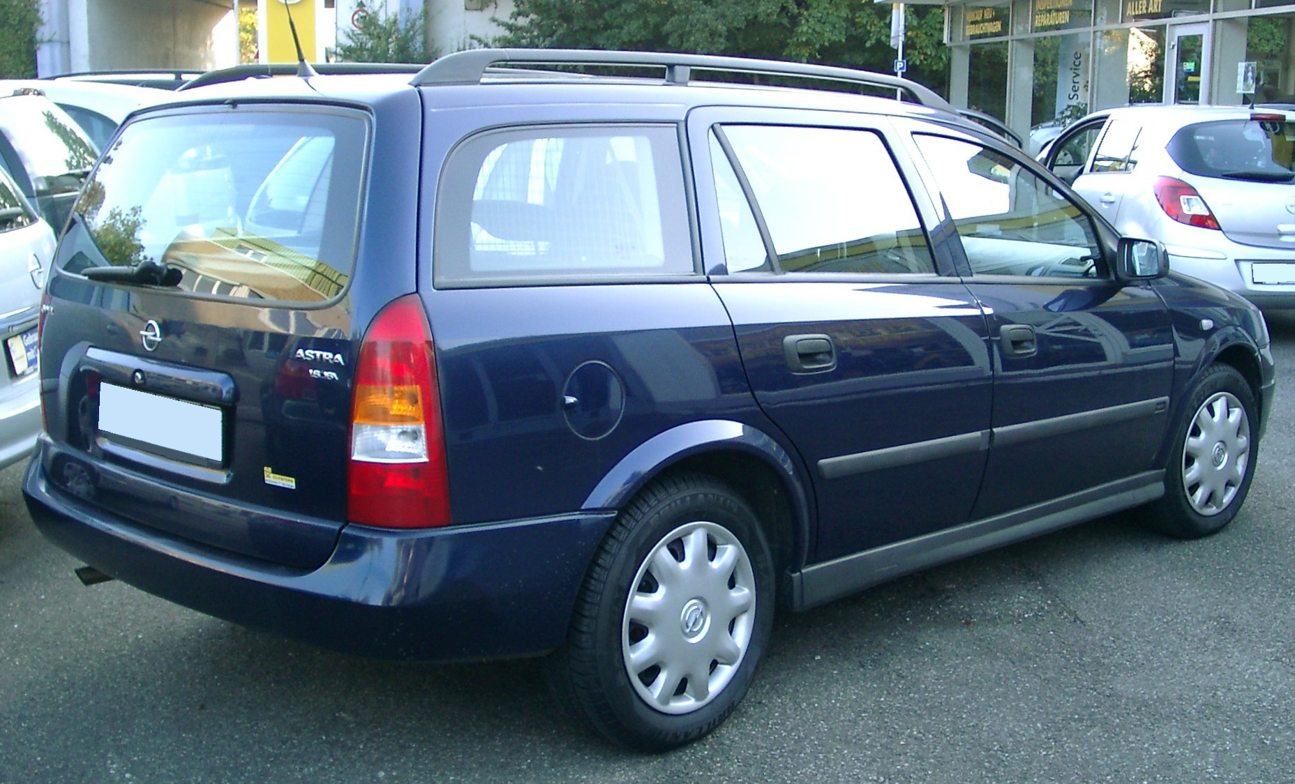 Opel_Astra_Caravan_rear_20071007