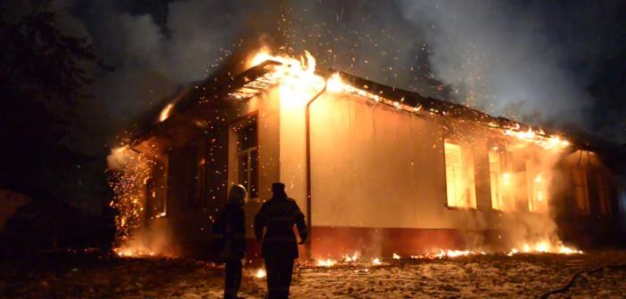 96 de școli din județul Constanța nu sunt protejate împotriva incendiilor pentru că s-au construit înainte să apară legea