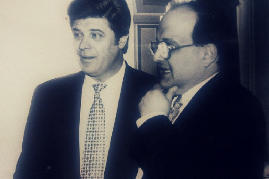Ion Șerban (stânga) și vicele bancii DACIA FELIX Mircea Horia Hossu