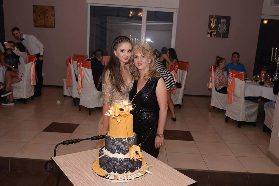Lelia și Diana Mihai