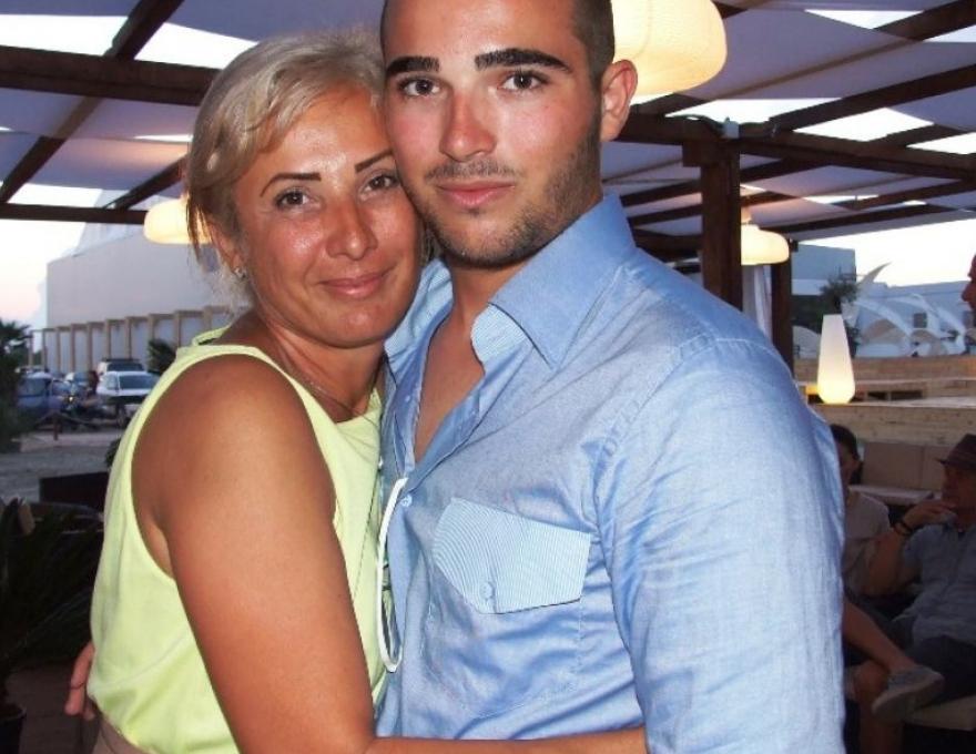 Raducu Mazare alături de mama sa, Ianina Petcu